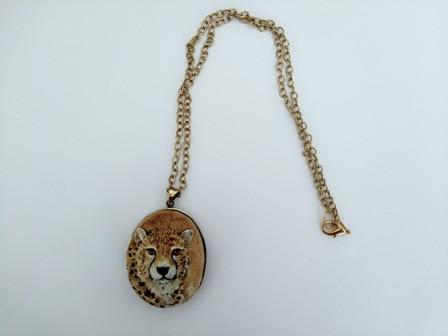 گردنبند صورت یوزپلنگ با زنجیر طلایی